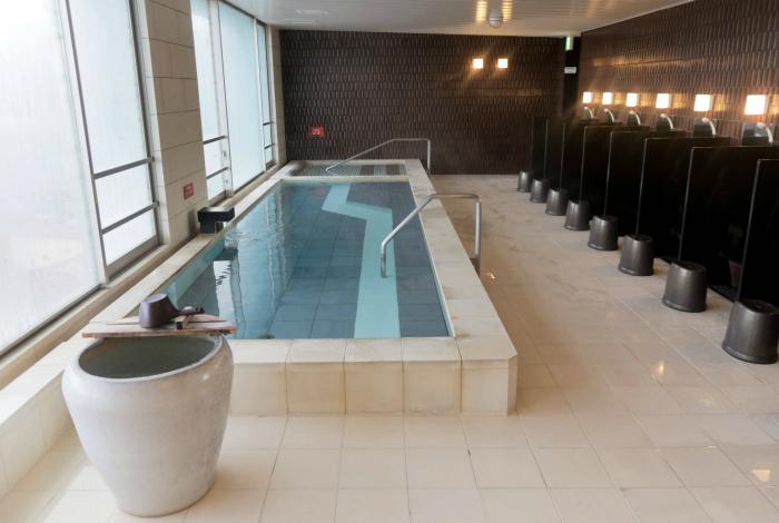 Горячие ванны общественного пользования. | Фото: Un sac sur le dos.