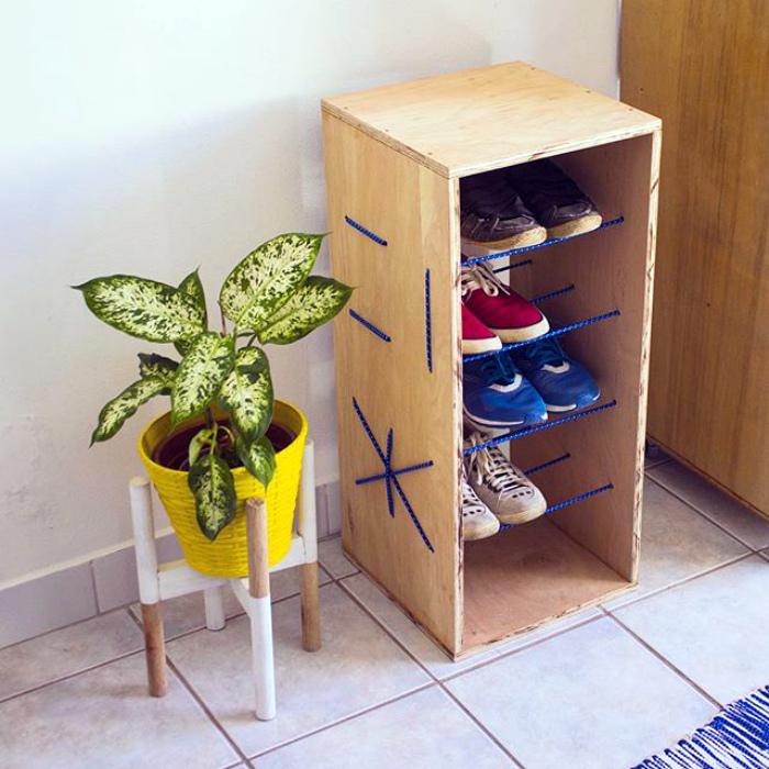 Креативная полка для обуви.