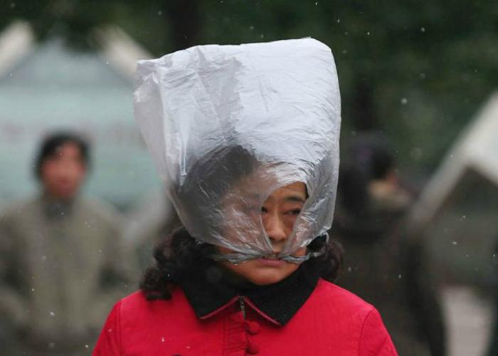 Самый простой и дешевый головной убор, который подойдет как женщинам, так и мужчинам.