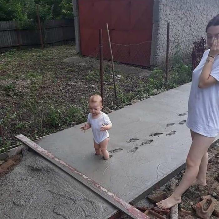 Дети против сырого цемента! | Фото: Одноклассники.