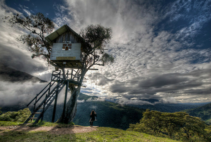 Уникальные качели над пропастью находятся на высоте 2660 метров над уровнем моря, откуда открывается захватывающий вид на Анды.