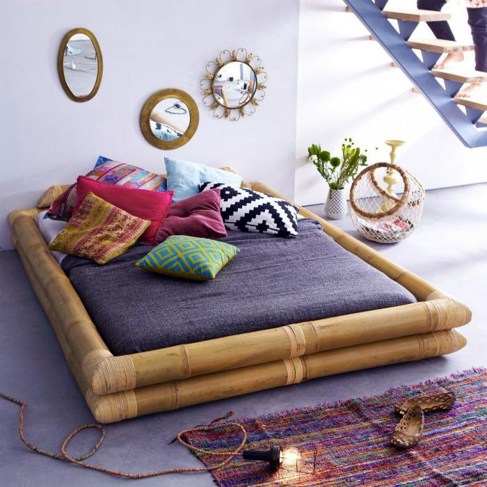 Кровать с бамбуковым каркасом. | Фото: Pinterest.