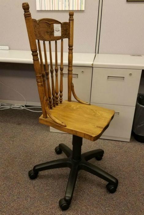 Ремонт офисного кресла.