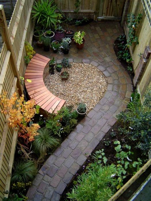 Элегантный внутренний дворик. | Фото: Beautiful Free Images & Pictures.