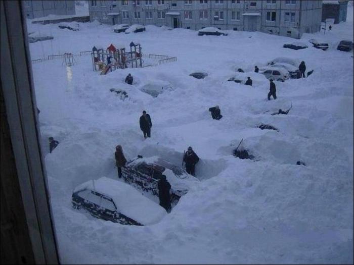 Веселая зимняя игра.
