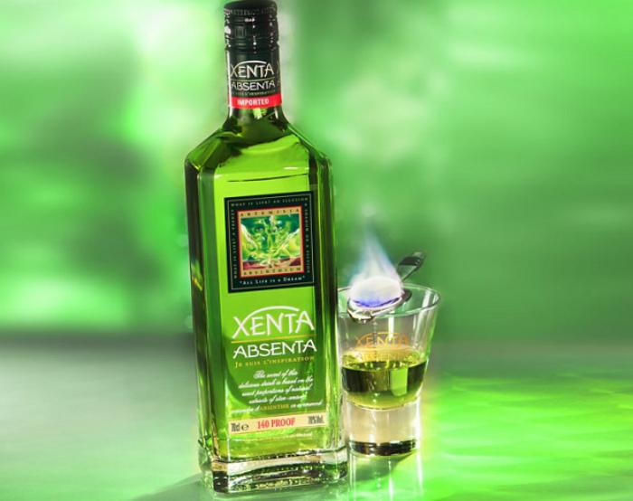 Алкогольный напиток из полыни. | Фото: Русская семерка.