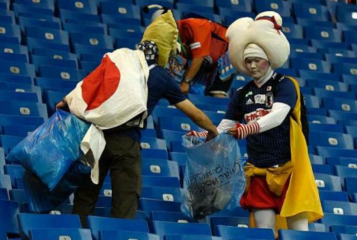 Уборка мусора в Японии.