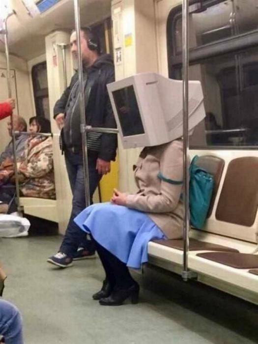 Голова-вычислительная машина.