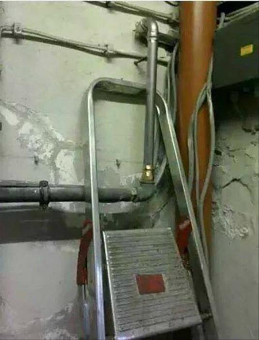 Лестница в заложниках.
