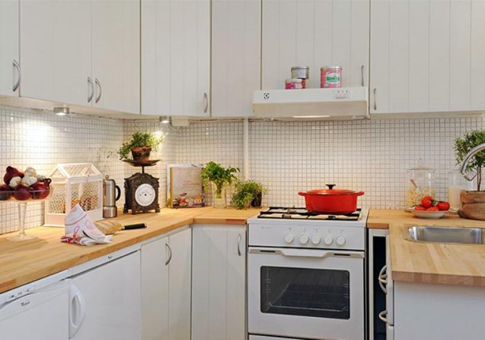 Дизайнерская хитрость для маленькой кухни.
