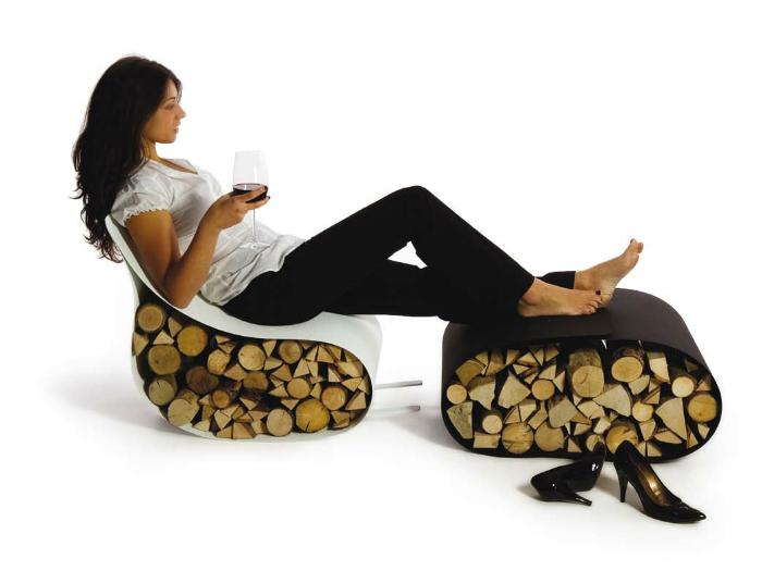 Ортопедическое эко-кресло из ткани и дерева.