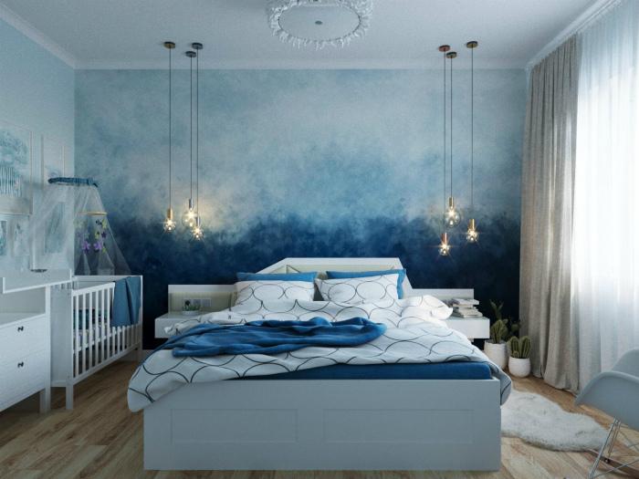 Спальня с акцентной стеной.