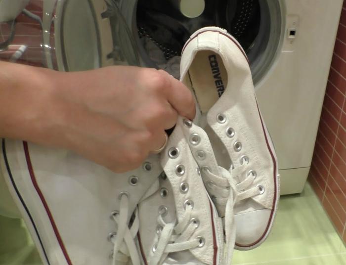 Чтобы кроссовки не гремели. | Фото: Домашний очаг | psn-travel.ru.
