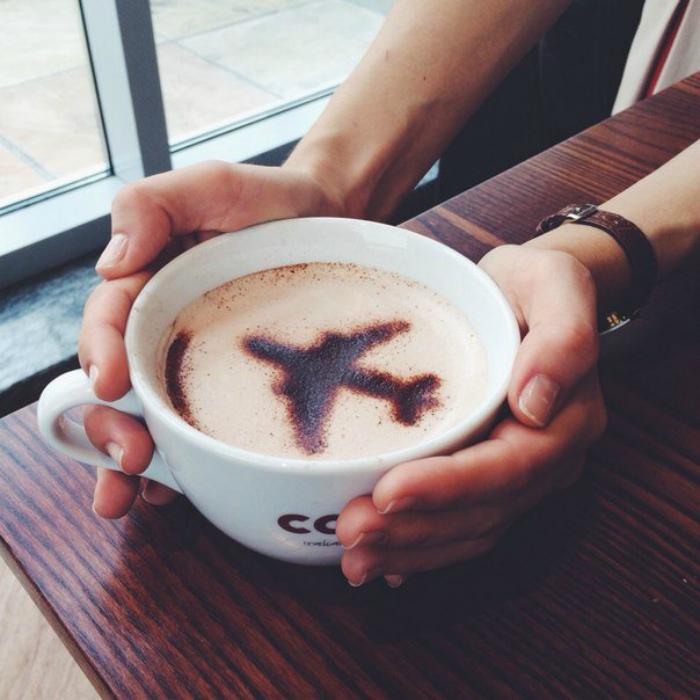 Чай и кофе в аэропорту. | Фото: JagaJam.