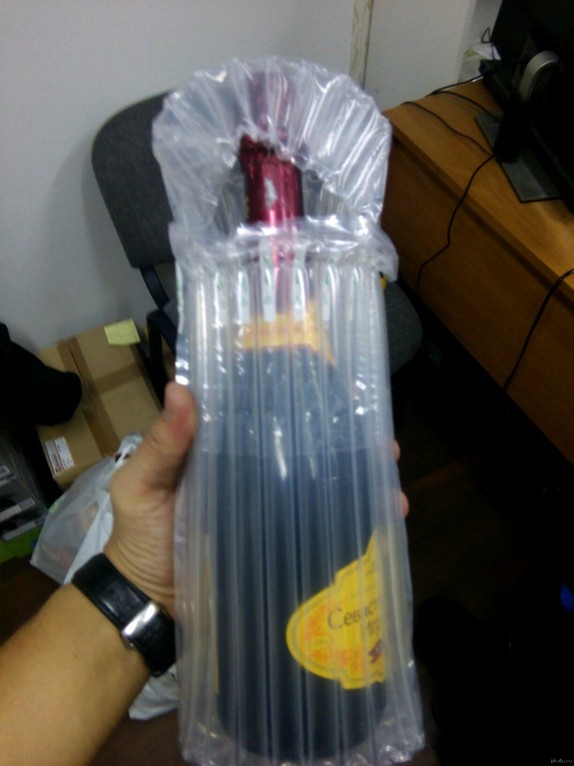 Безопасная упаковка для стеклянных бутылок.