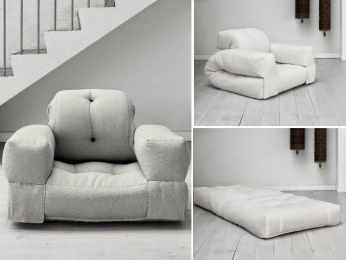 Бескаркасное кресло-кровать.