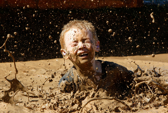 Купание в грязи.