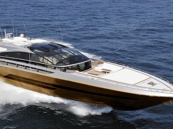 Цена:.8 миллиарда. Яхта, сделанная из 100 000 килограммам золота, украшена костями динозавра и миниатюрными метеоритами.