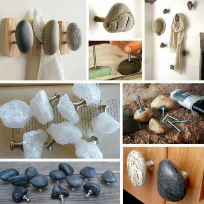 Крючки и ручки, декорированные камнями.