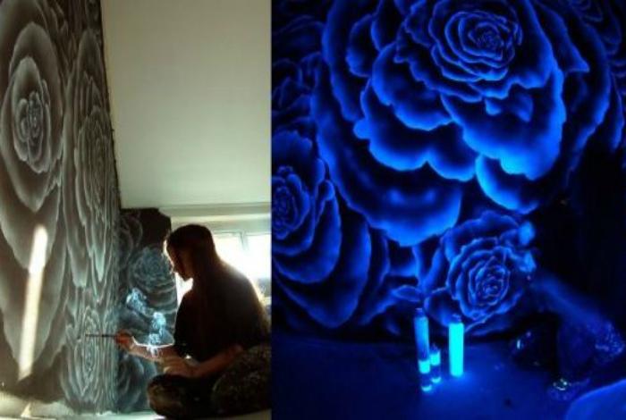 Люминисцентные картины на стенах.