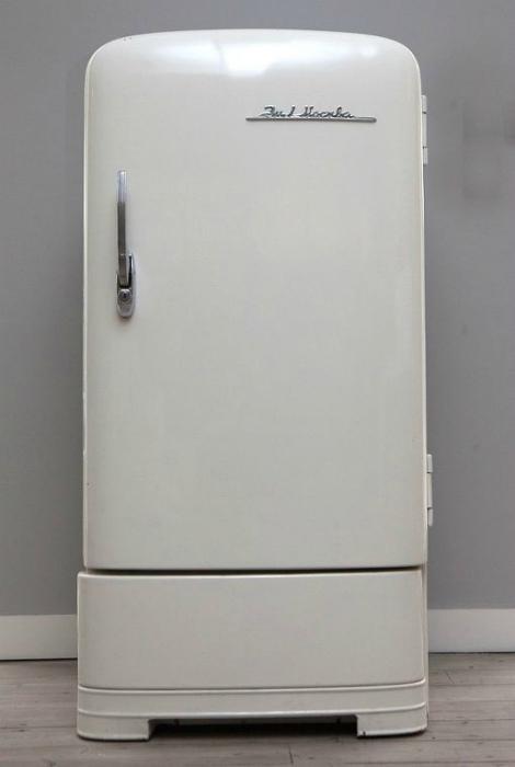 Холодильник «ЗИЛ-Москва».