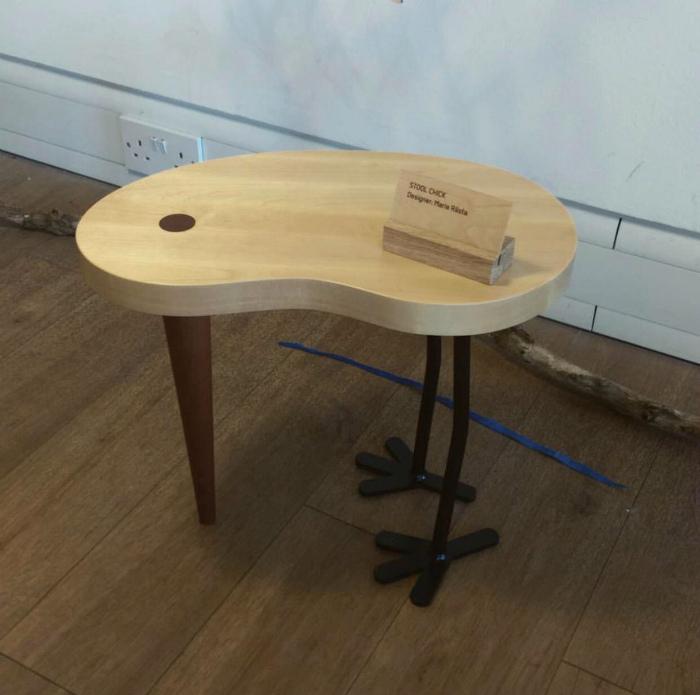 Столик с лапками. | Фото: Reddit.