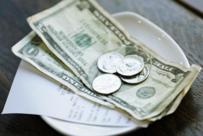 Америка - страна щедрых чаевых.