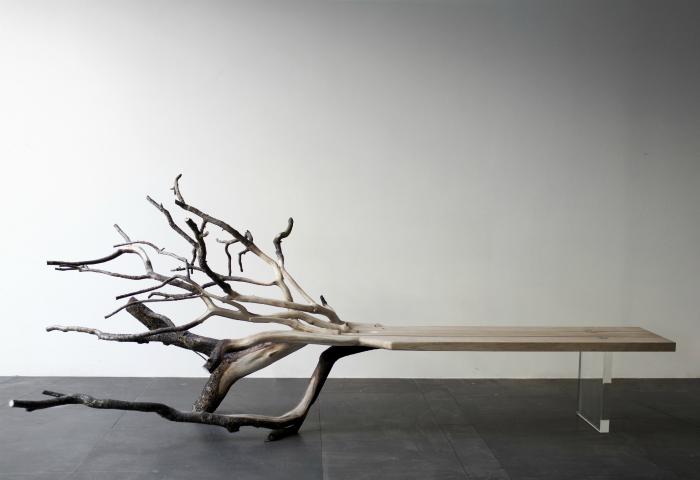 Удивительные скамейки из упавших деревьев, которые создает талантливый дизайнер Бенджамин Грейндордж.