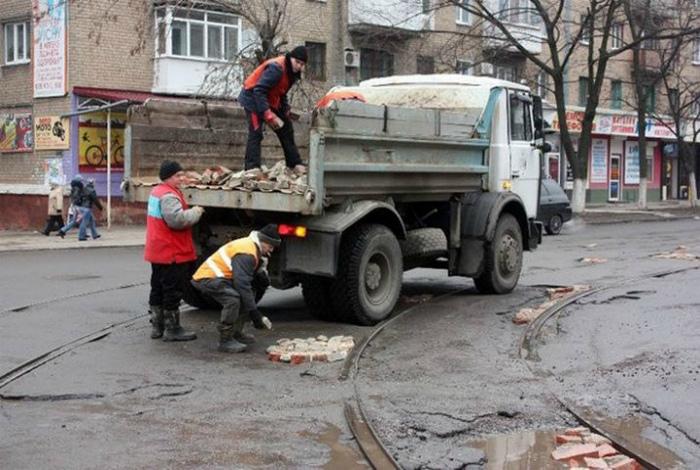 «Качественный» ремонт дорог.