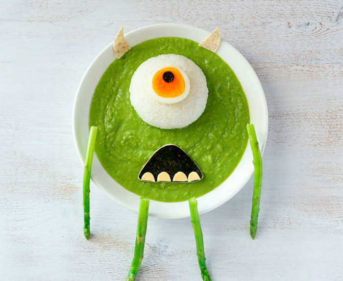 Мексиканский крем-суп в виде Майка из мультфильма «Корпорация монстров».
