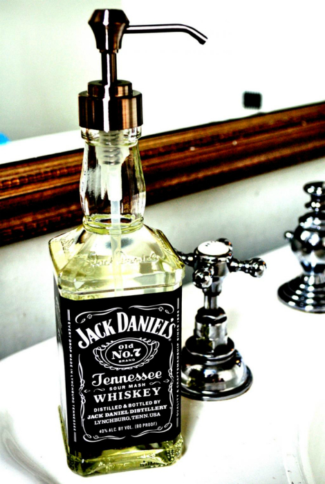 Дозатор для мыла из бутылки.