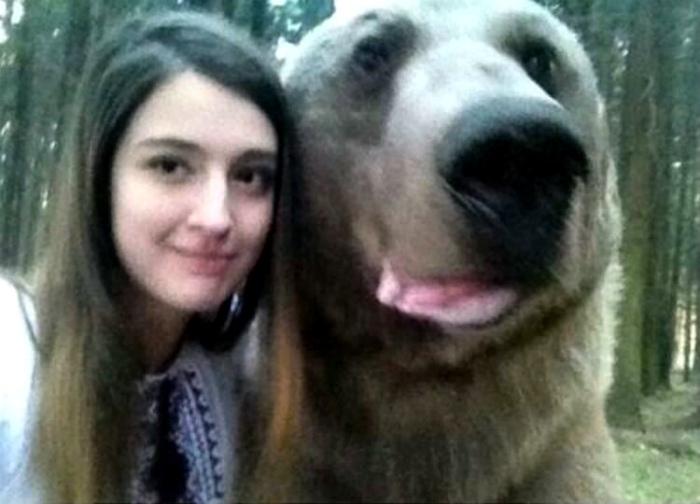 Фото с медведем - обычное дело.