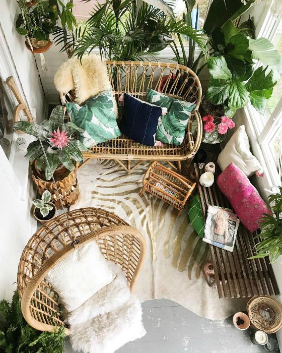 Балкон в тропическом стиле.