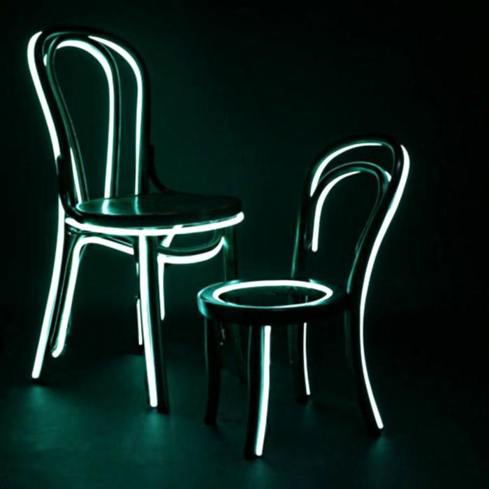 Мебель с люминесцентной светящейся каймой от английского дизайнера Ли Брум.
