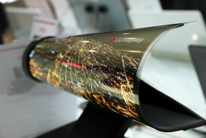 Гибкие OLED-дисплеи. | Фото: 24Gadget.