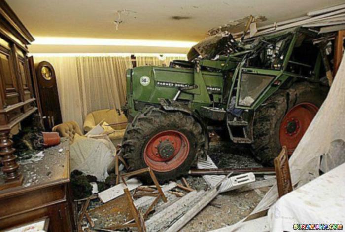 «Хозяева, трактор заказывали?»