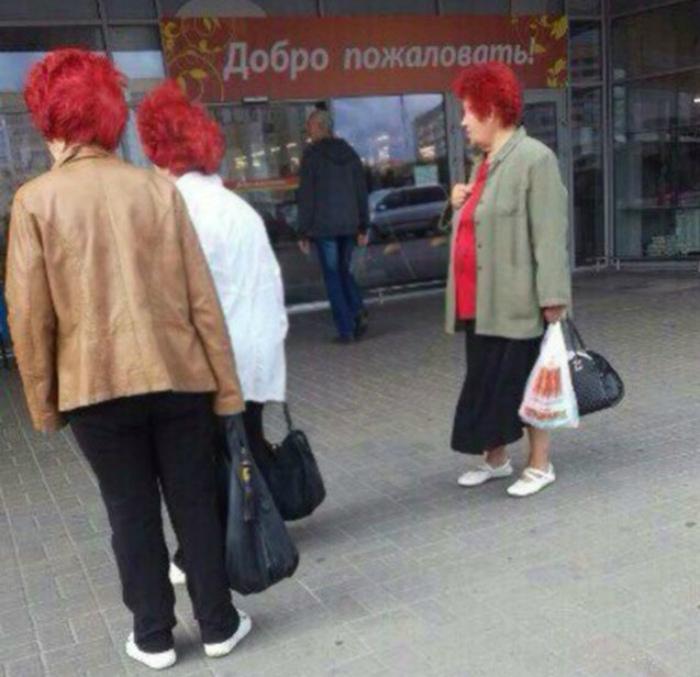 Единственный парикмахер в районе.