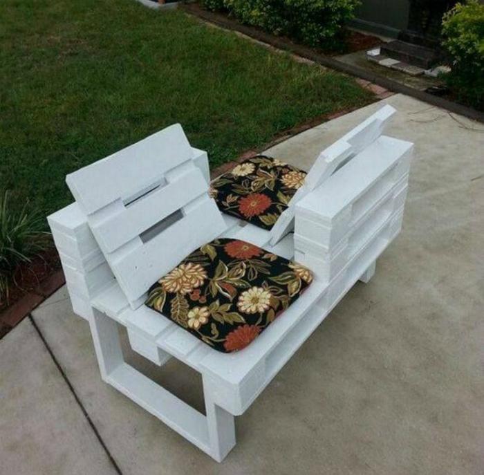 Креативная скамейка для двоих. | Фото: Vorgarten Gestalten Nordseite.