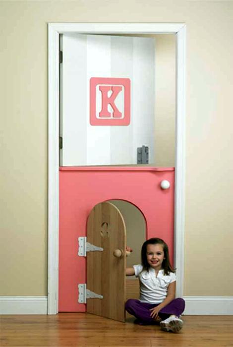 Необычная дверь в детскую.