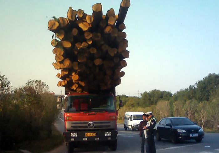 Опасный грузовик.