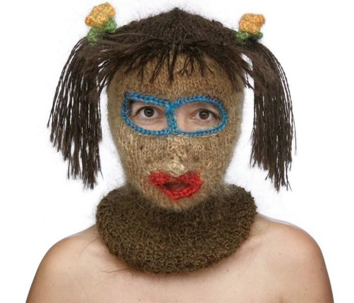 Идеальный головной убор для девушек, которые поздно возвращаются домой.