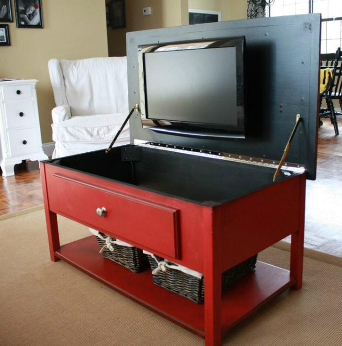 Кофейный столик с подъемной панелью.
