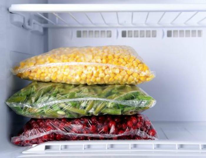 Заморозка фруктов и овощей. | Фото: Fresh.ru.