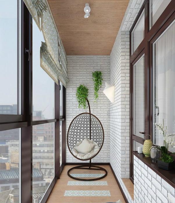 Стильная лоджия с панорамными окнами.