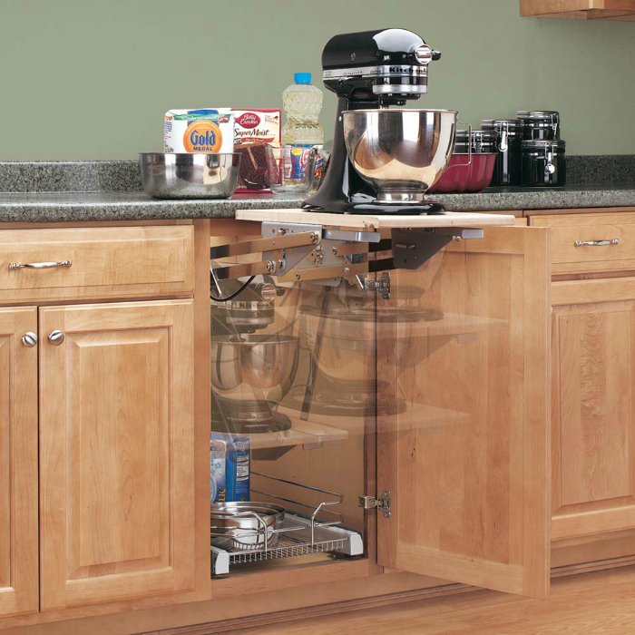 Выдвижная полка, которая обеспечит кухню дополнительной рабочей поверхностью.