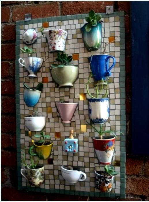 Декоративное мозаичное панно. | Фото: Homebnc.