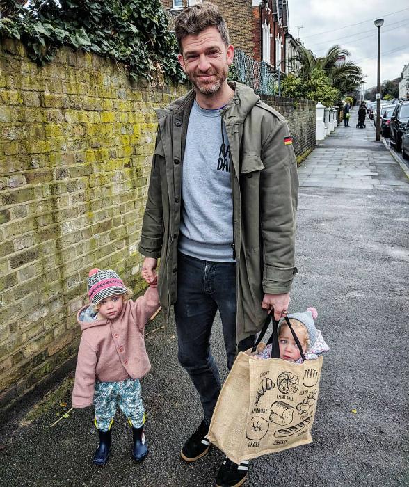 Если не знаешь, куда положить ребенка... | Фото: aFamily.