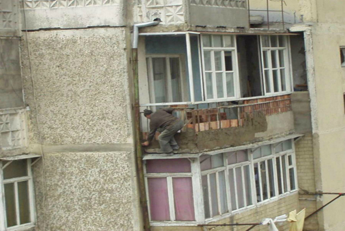 Ποια ασφάλεια!  Ο άνθρωπος δημιουργεί ένα αριστούργημα.