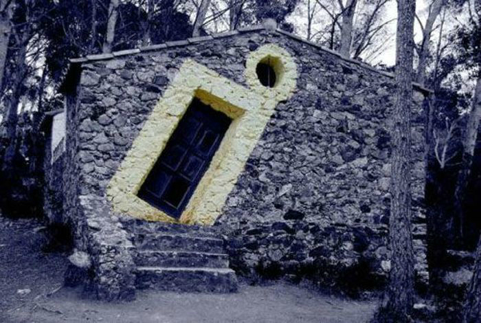 Оригинальная дверь.