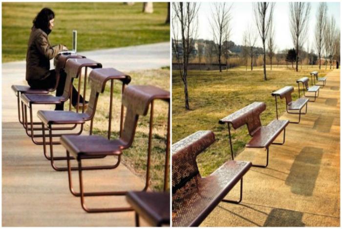 Скамейки вместе со столами.